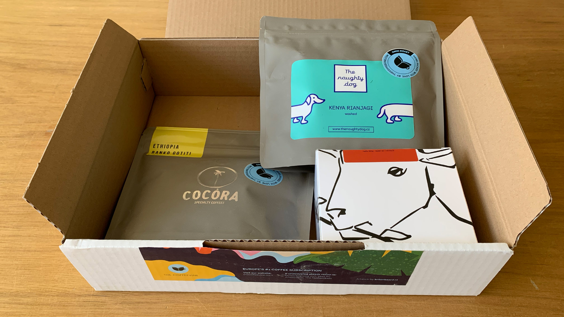 The Coffeevine box with coffe from Naughty Dog, Cocora and La Cabra